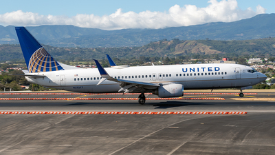 N37277 - Boeing 737-824 - United Airlines