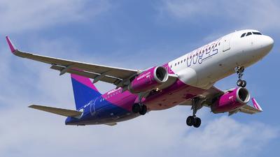 A picture of HALWX - Airbus A320232 - Wizz Air - © Loredana Cioclei