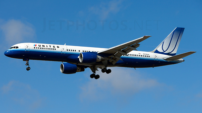 N516UA - Boeing 757-222 - United Airlines