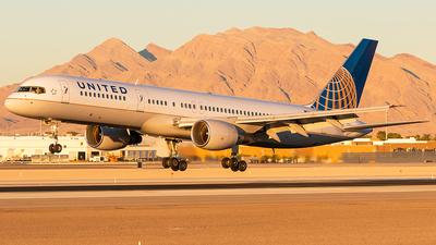 N514UA - Boeing 757-222 - United Airlines