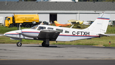 C-FTXH - Piper PA-34-200T Seneca II - Classic Aviation