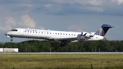 A picture of N516LR - Mitsubishi CRJ701ER - United Airlines - © DJ Reed - OPShots Photo Team
