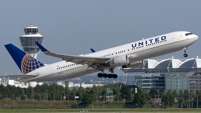 A picture of N647UA - Boeing 767322(ER) - United Airlines - © Maximilian Haertl