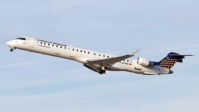 A picture of DACNG - Bombardier CRJ900LR - Lufthansa - © Moritz Babl