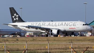 HC-CJW - Airbus A320-214 - Avianca