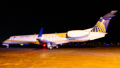 A picture of N12175 - Embraer ERJ145XR - United Airlines - © Devon McCune