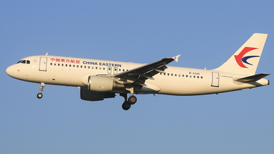 B-2220 - Airbus A320-214 - China Eastern Airlines
