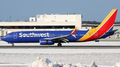 N8569Z - Boeing 737-8H4 - Southwest Airlines