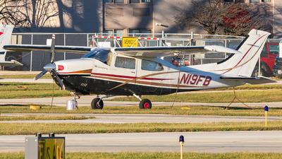 A picture of N19FB - Cessna T210M Turbo Centurion - [21061668] - © Miles Aronovitz