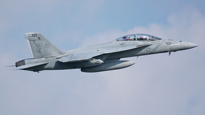 166918 - Boeing F/A-18F Super Hornet - United States - US Navy (USN)