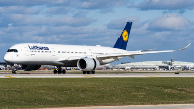 A picture of DAIXE - Airbus A350941 - Lufthansa - © Haocheng Fang