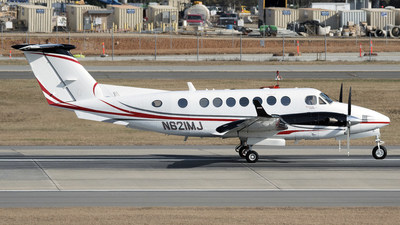 N621MJ - Beechcraft B300 King Air 350 - Private