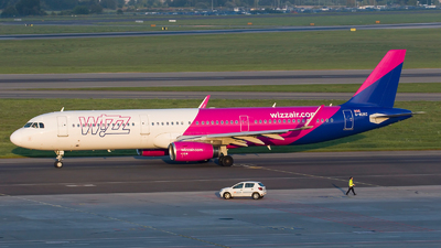 A picture of GWUKC - Airbus A321231 - Wizz Air - © Rafal Pruszkowski