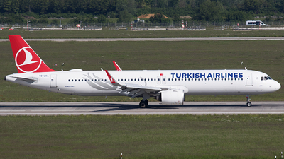 A picture of TCLSA - Airbus A321271NX - Turkish Airlines - © BennyH