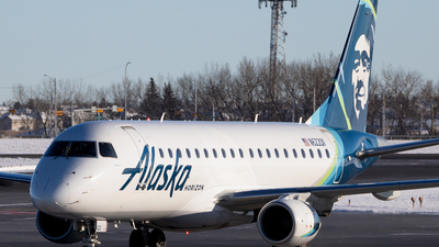 A picture of N622QX - Embraer E175LR - Alaska Airlines - © Mike MacKinnon
