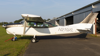 N210XL - Cessna 210-5 Centurion - Private