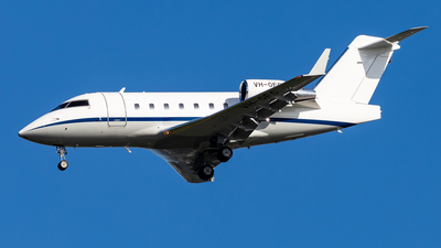 A picture of VHOFC - Bombardier Challenger 604 - [5538] - © Brandon Giacomin