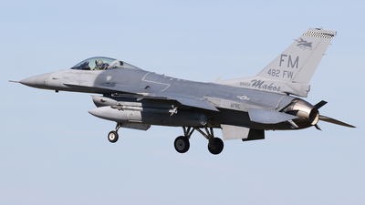 88-0404 - General Dynamics F-16C Fighting Falcon - United States - US Air Force (USAF)