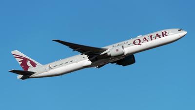 A picture of A7BEX - Boeing 7773DZ(ER) - Qatar Airways - © Sebastian Thiel
