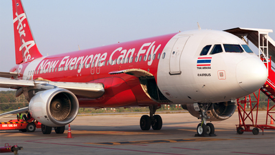 A picture of HSABI - Airbus A320216 - AirAsia - © Peter Waiss