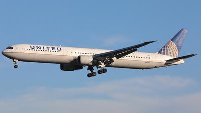 N77066 - Boeing 767-424(ER) - United Airlines