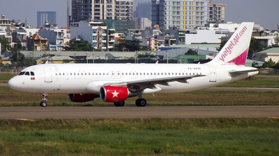 A picture of VNA692 - Airbus A320214 - [4907] - © Pham Minh Tuan