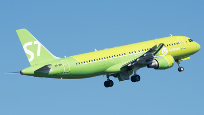 A picture of VQBPL - Airbus A320214 - S7 Airlines - © Alexey Prokhorov