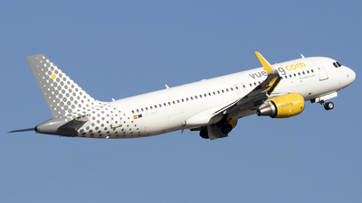EC-MAH - Airbus A320-214 - Vueling Airlines