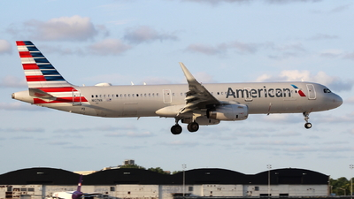 A picture of N107NN - Airbus A321231 - American Airlines - © Andriy Yegorov