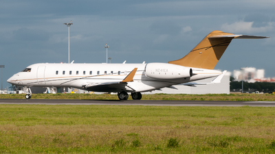 N241EA - Bombardier CL-600-2B16 Challenger 605 - Private