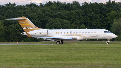 N700GB - Bombardier BD-700-1A10 Global Express - Private