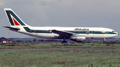 I-BUSH - Airbus A300B4-203 - Alitalia