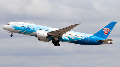 A picture of B2727 - Boeing 7878 Dreamliner - China Southern Airlines - © Tongjun XIANG