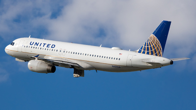 A picture of N459UA - Airbus A320232 - United Airlines - © Stephen J Stein