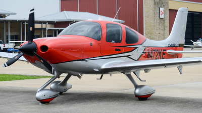 N472KE - Cirrus SR22-GTS G6 Carbon - Private