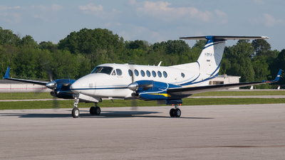 N487SF - Beechcraft B300 King Air 350 - FONA International