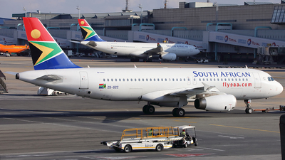 ZS-SZC - Airbus A320-232 - South African Airways