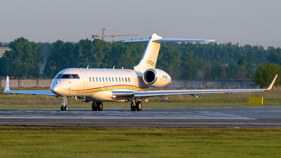 VP-CEW - Bombardier BD-700-1A10 Global 6000 - Private