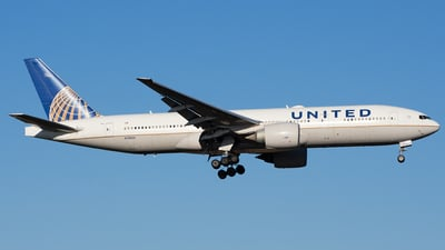 N78004 - Boeing 777-224(ER) - United Airlines