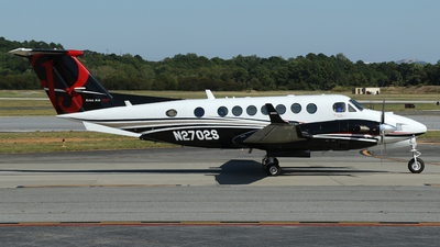 N2702S - Beechcraft B300 King Air 350i - Private