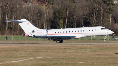 A picture of ECLJP - Bombardier Global Express - [9360] - © Kurt Greul