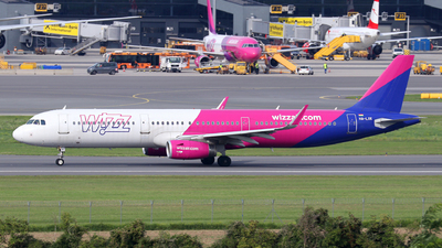A picture of HALXK - Airbus A321231 - Wizz Air - © Max Hrusa