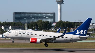 SE-RJX - Boeing 737-76N - Scandinavian Airlines (SAS)