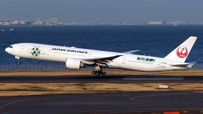 A picture of JA734J - Boeing 777346(ER) - Japan Airlines - © TRAVAIR