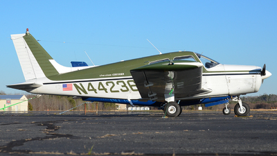 N44236 - Piper PA-28-140 Cherokee Cruiser - Private