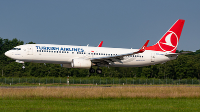 A picture of TCJHN - Boeing 7378F2 - Turkish Airlines - © Niclas Rebbelmund