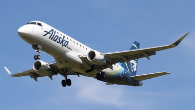 A picture of N179SY - Embraer E175LR - Alaska Airlines - © nicholastoto