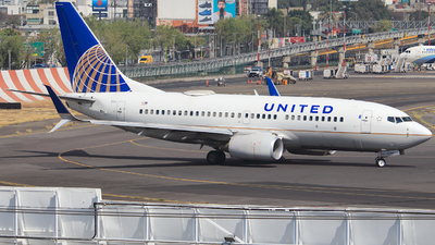 A picture of N12754 - Boeing 7377V3 - United Airlines - © Luis Miguel Martinez