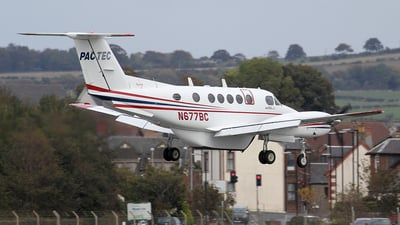 A picture of N677BC - Beech 200 Super King Air - [BB86] - © Ian Howat