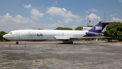N469FE - Boeing 727-225(Adv)(F) - Private
